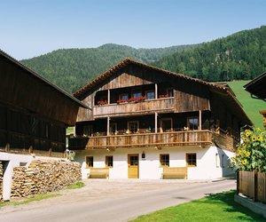 Ferienwohnung-Osttirol-Landhaus-Schloss-Anras.jpg