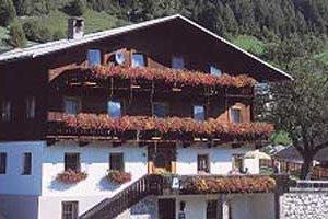 Haus Alpenhof***