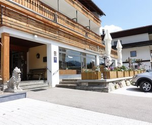 Hotel Bergland - Familie Atzwanger