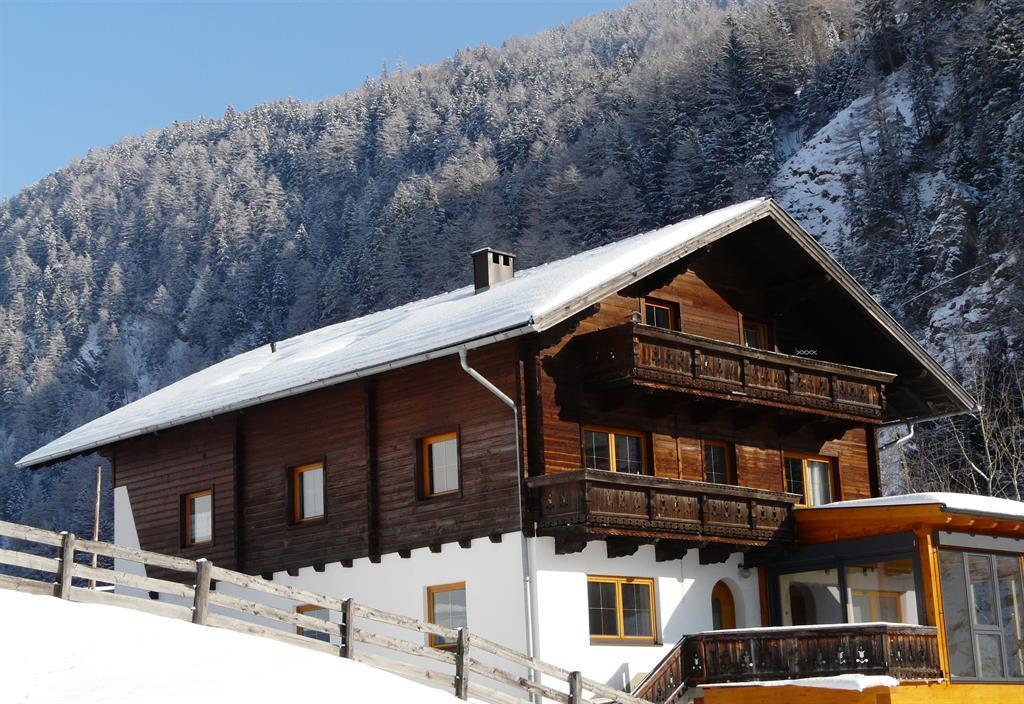 -Ferienhaus-im-Winter.jpg