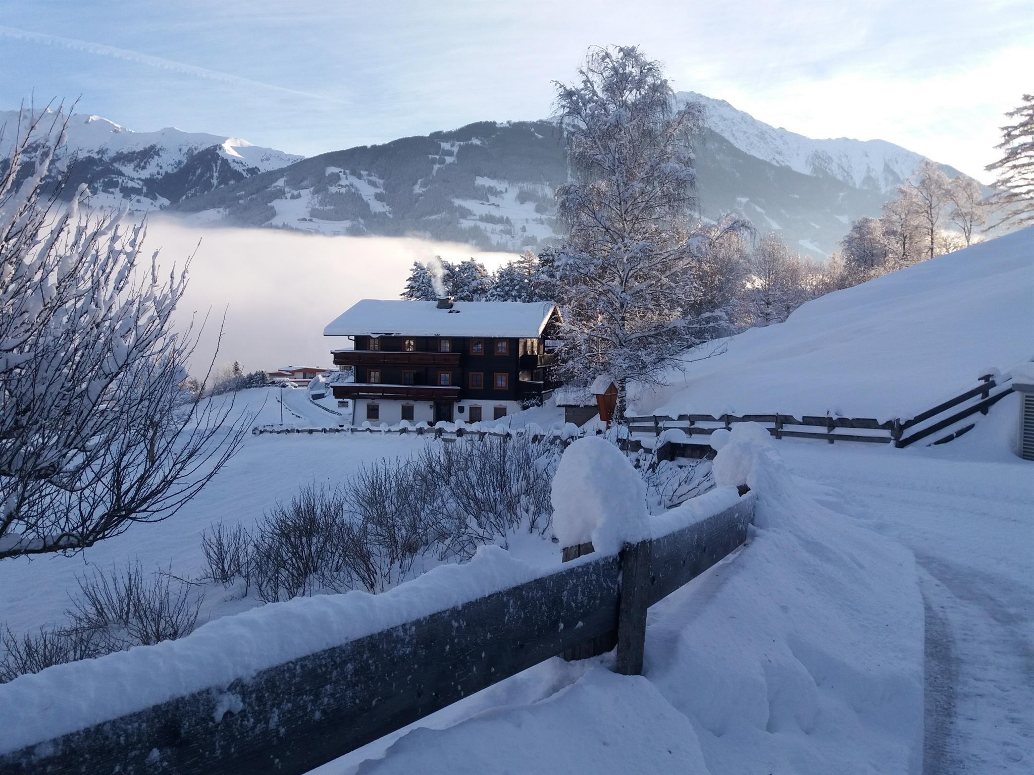 2064x1548-Haus-Winter.jpg