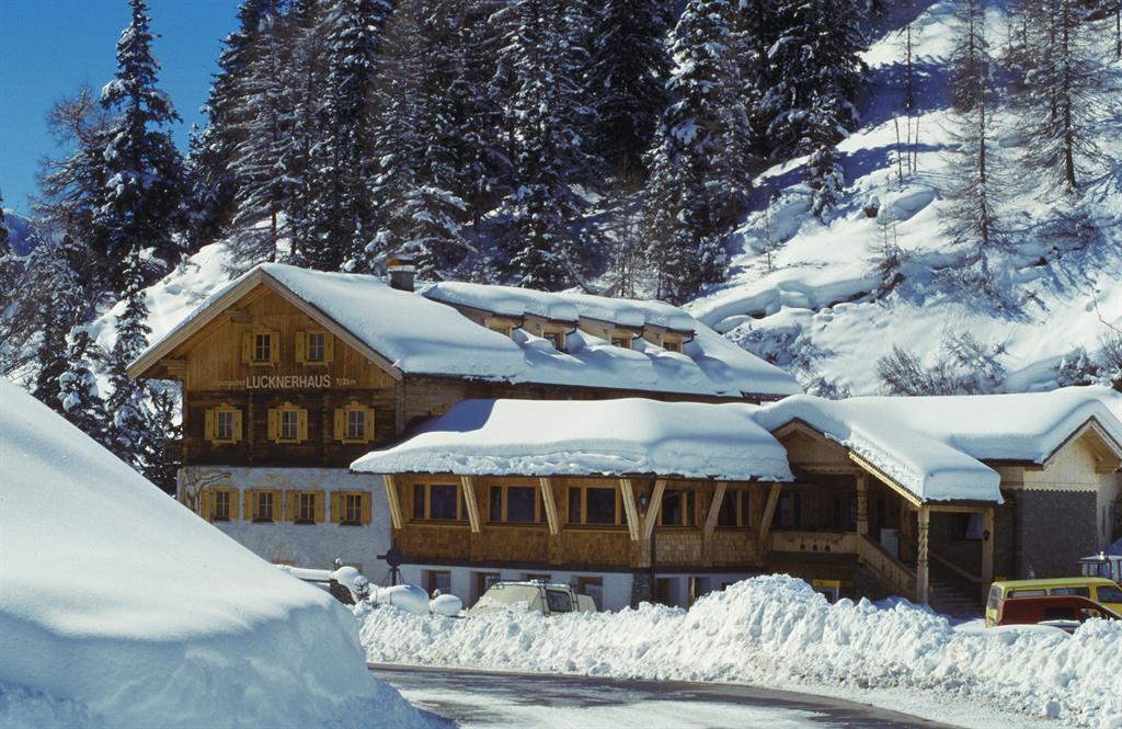 Alpengasthof-Lucknerhaus-Winter.jpg