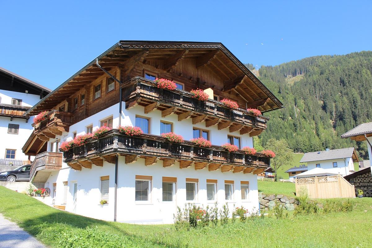 Apartments-Scherer-Sommer2.jpg