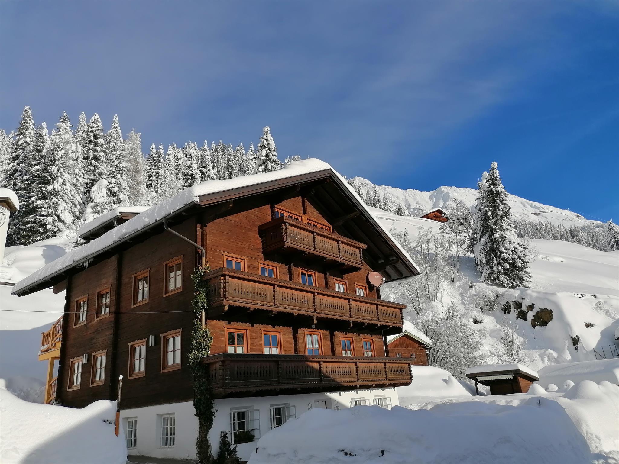 Bauernhaus-Winter.jpg