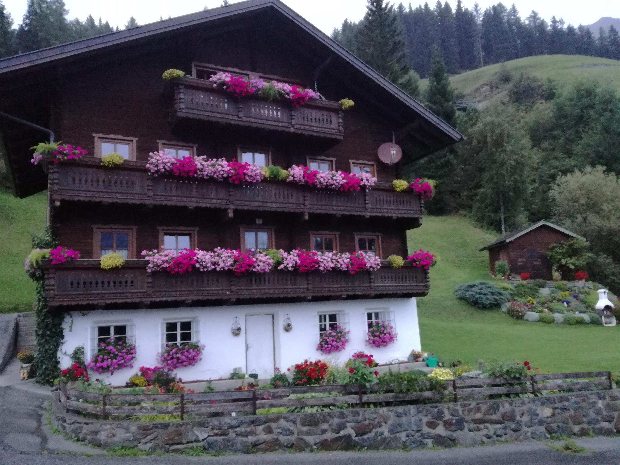 Bauernhaus-Sommer.jpg