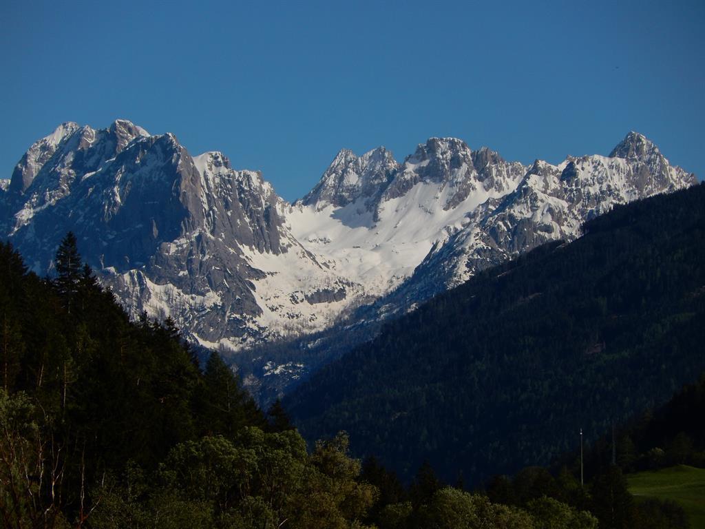 Bergpanorama-Lienzer-Dolomiten.jpg