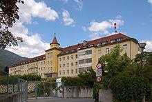 Bezirkskrankenhaus-Lienz.jpg
