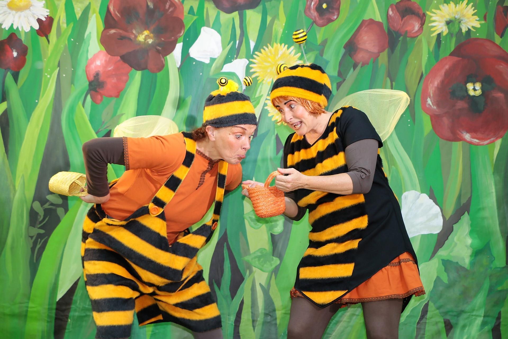 Biene-Maja-Gefahr-auf-der-Blumenwiese.jpg