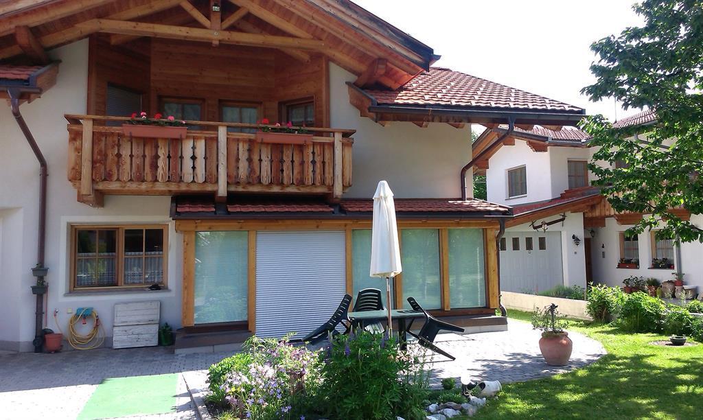 Bina-House.jpg