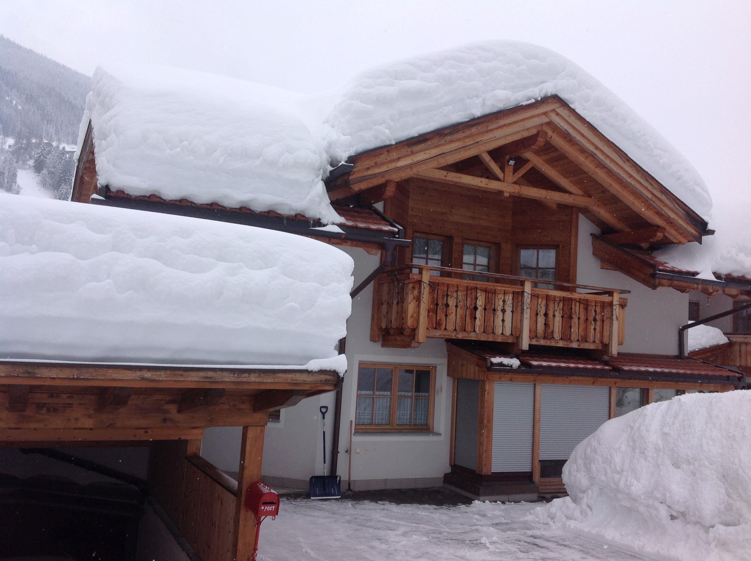 Bina-House-im-Winter.jpg