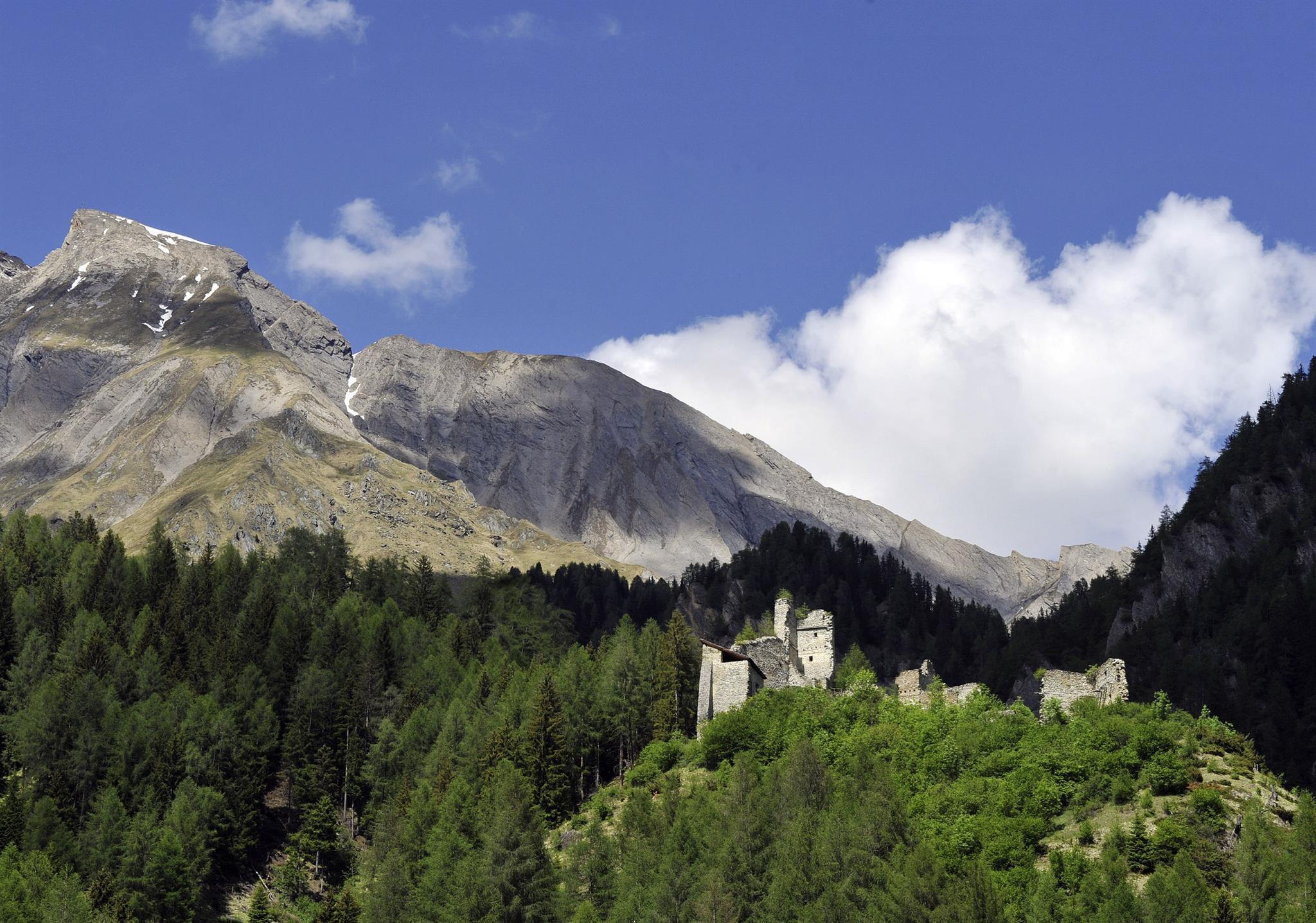 Burgruine-Rabenstein2.jpg