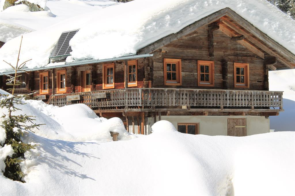 Dorferalm-im-Winter.jpg