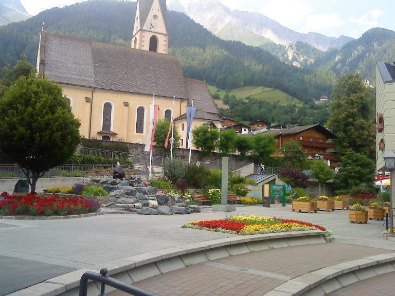Dorfplatz-Virgen-Gemeinde-Virgen.jpg