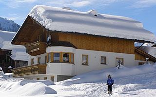 Ferienhaus-Peinte-Winteransicht-2.jpg