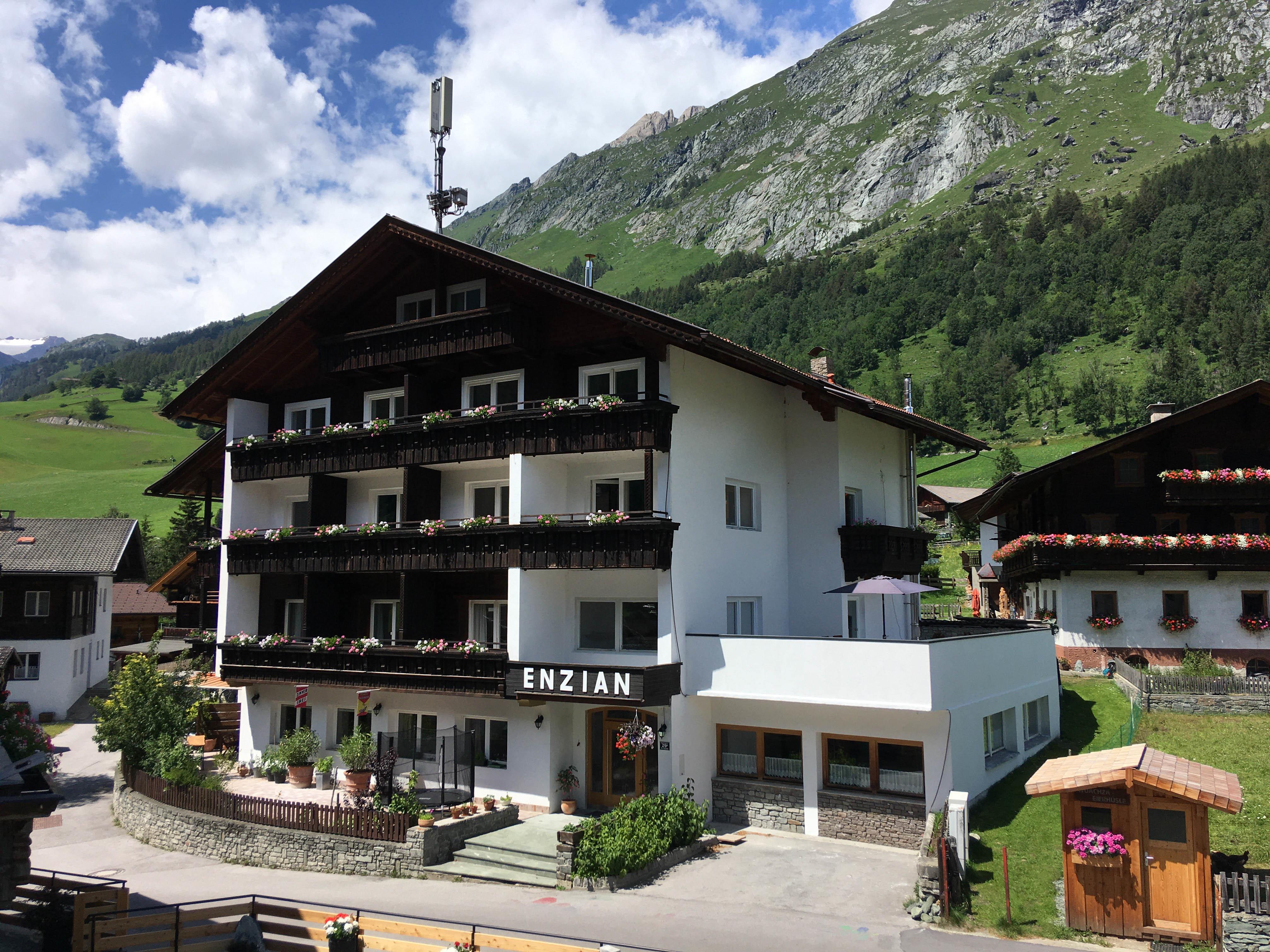 Ferienhaus-Enzian.jpg