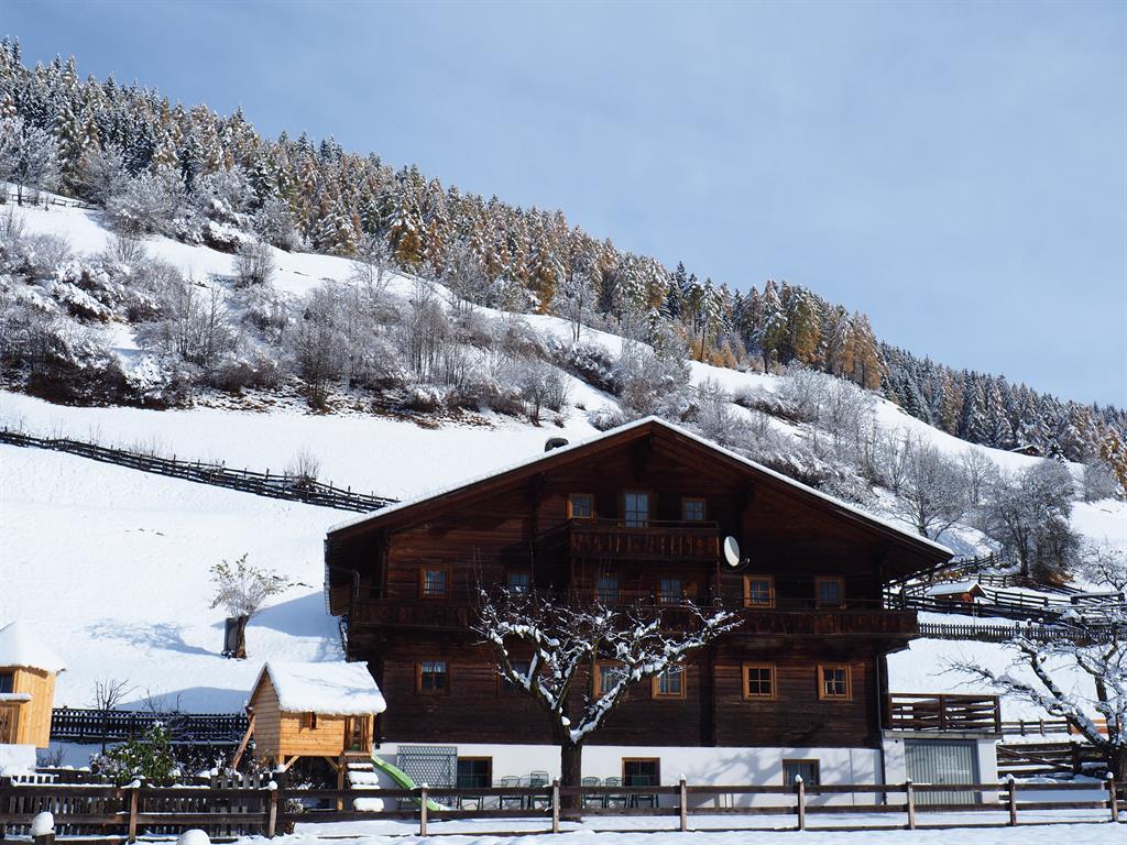 Ferienhaus-Innerkienzerhof-Winter.jpg