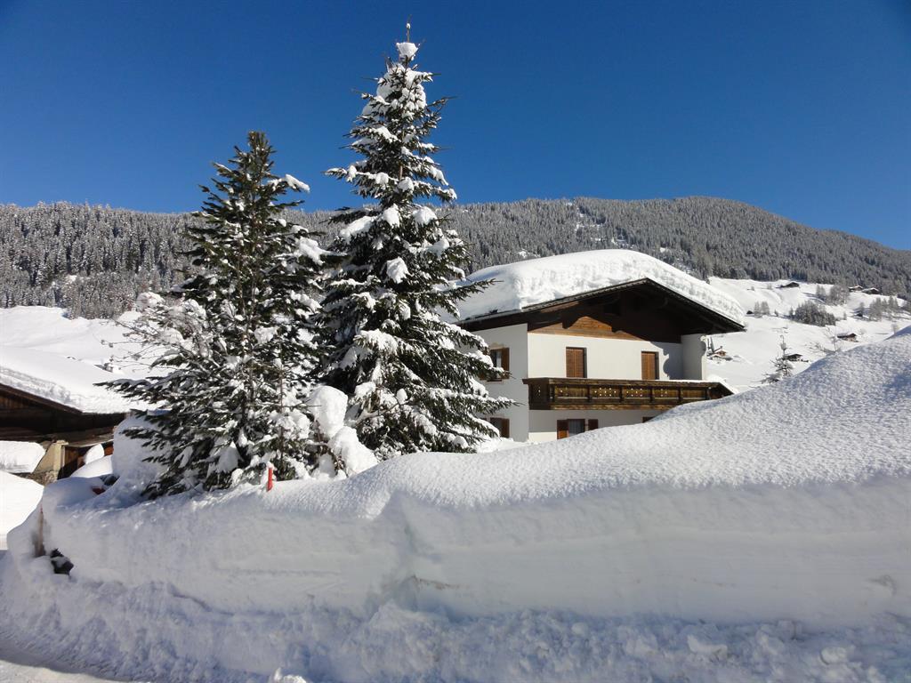 Ferienwohnung-Hofer-Anna-Winter.jpg
