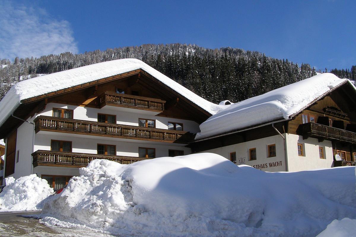 Gasthof-Wacht-im-Winter.jpg