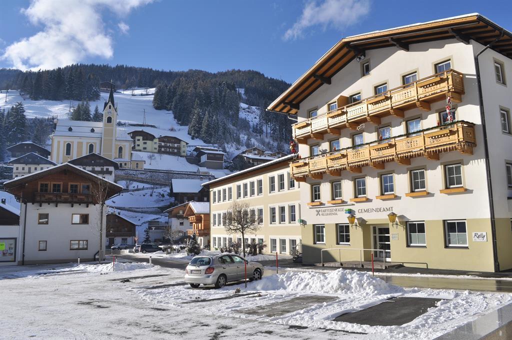 Gemeindehaus-Buecherei.jpg