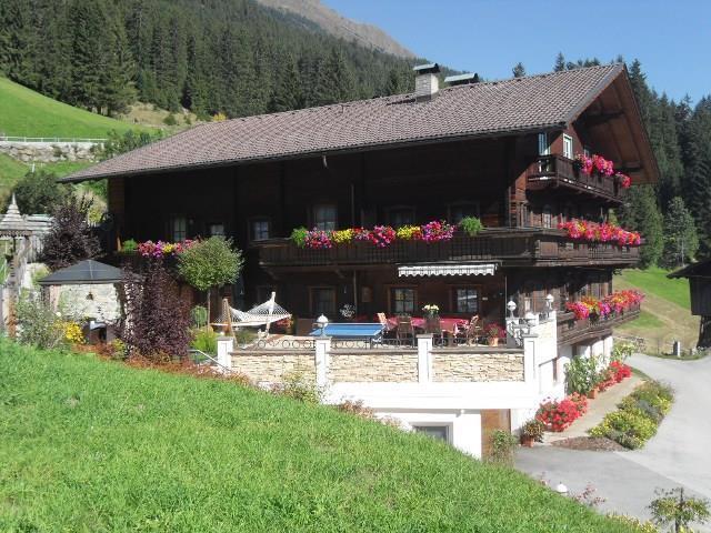 Haus-Alpenfrieden-im-Sommer.jpg
