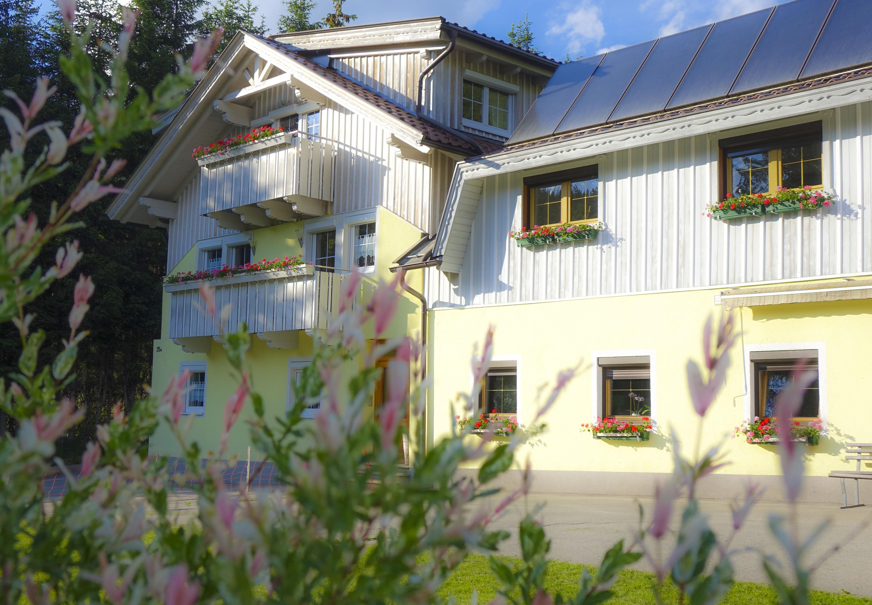 Haus-Alpengluehn-Osttirol-Lienz-Iselsberg-Ferienwoh.jpg