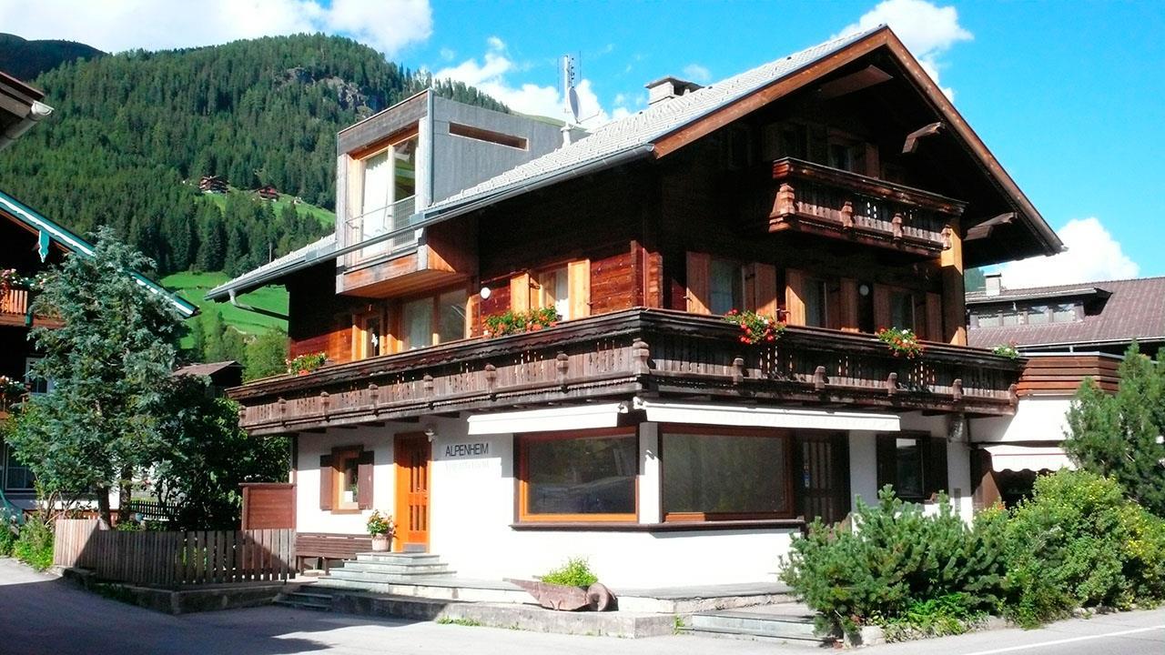 Haus-Alpenheim-von-Sueden.jpg
