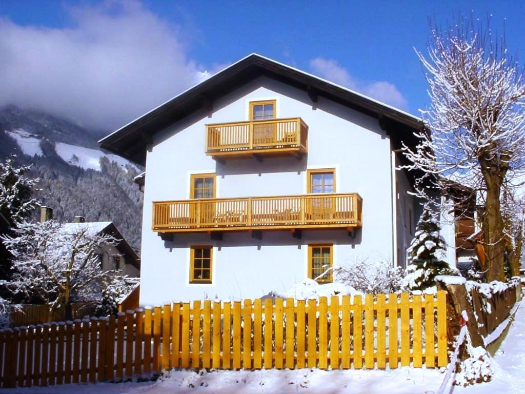 Haus-Amoser-Elfriede-Winter.jpg