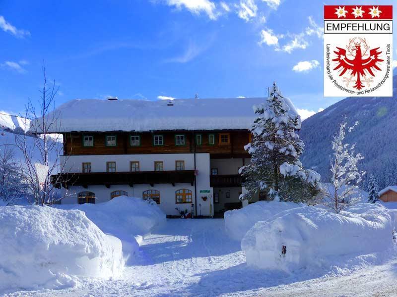 Haus-Edelweiss-Praegraten-Virgental-Osttirol-buchen.jpg