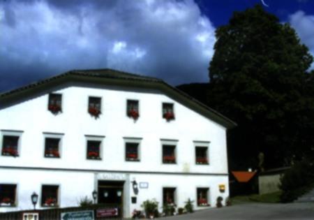 Haus-Gschwenter-Sommeransicht.jpg