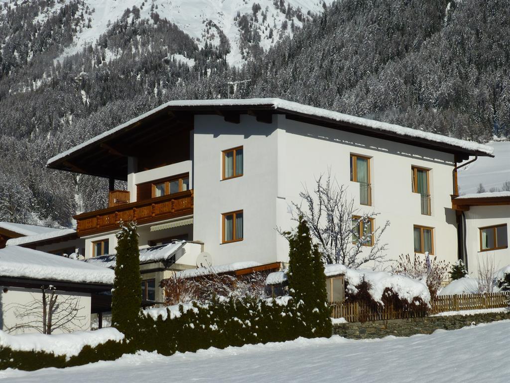 Haus-Kogelblick-im-Winter.jpg