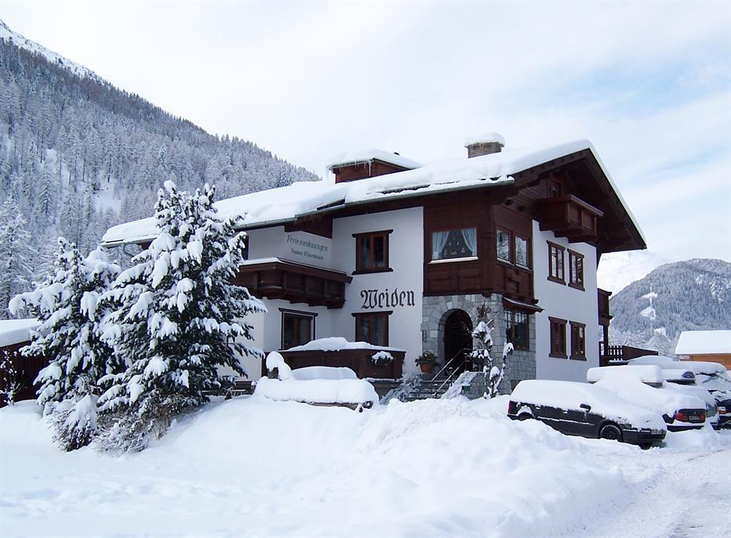Haus-Weiden-im-winter.jpg
