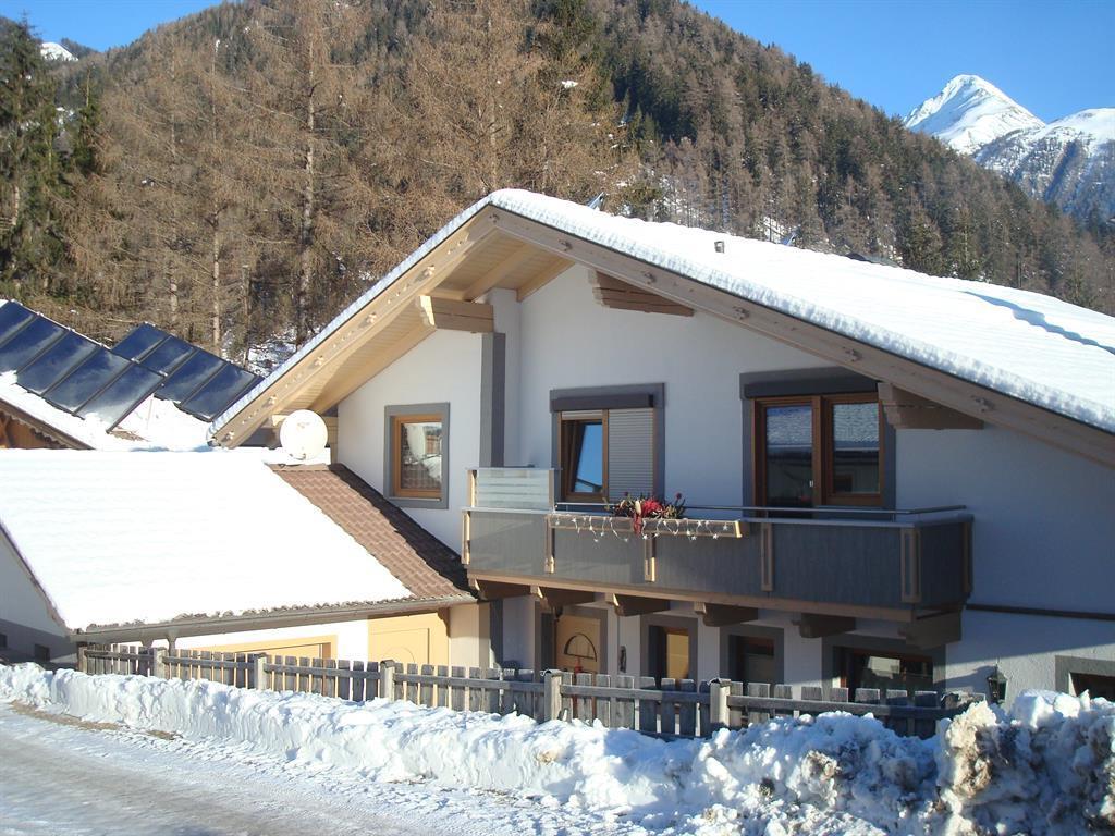 Haus-Winter-Suedansicht.jpg