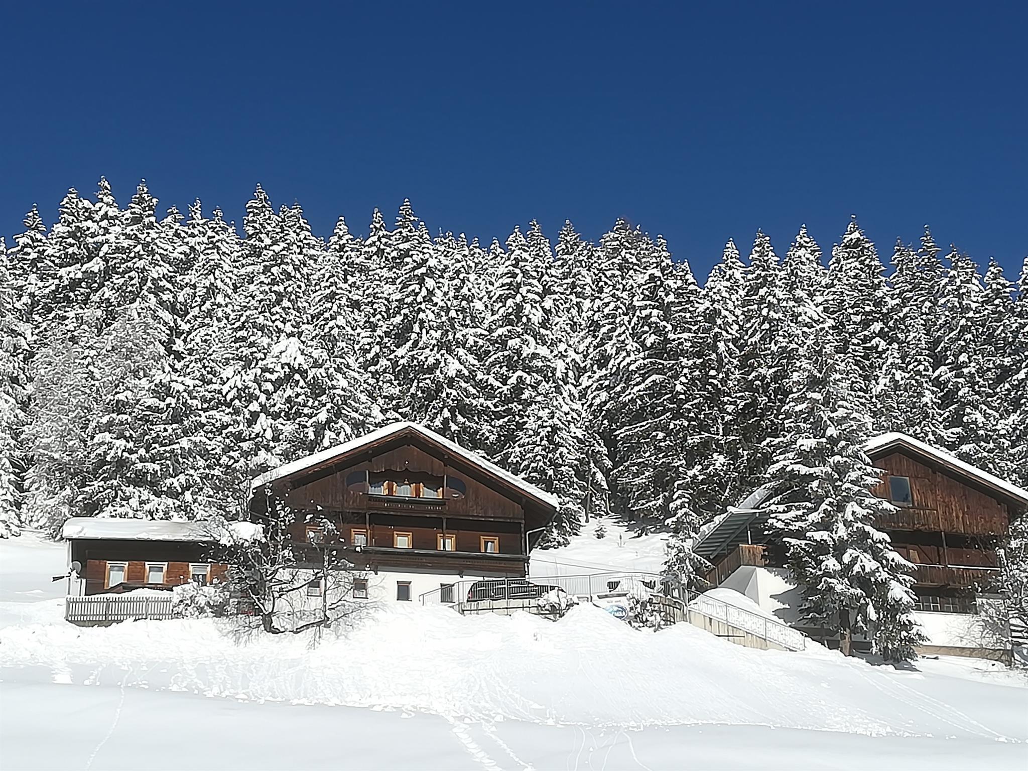 Hausansicht-Winter.jpg