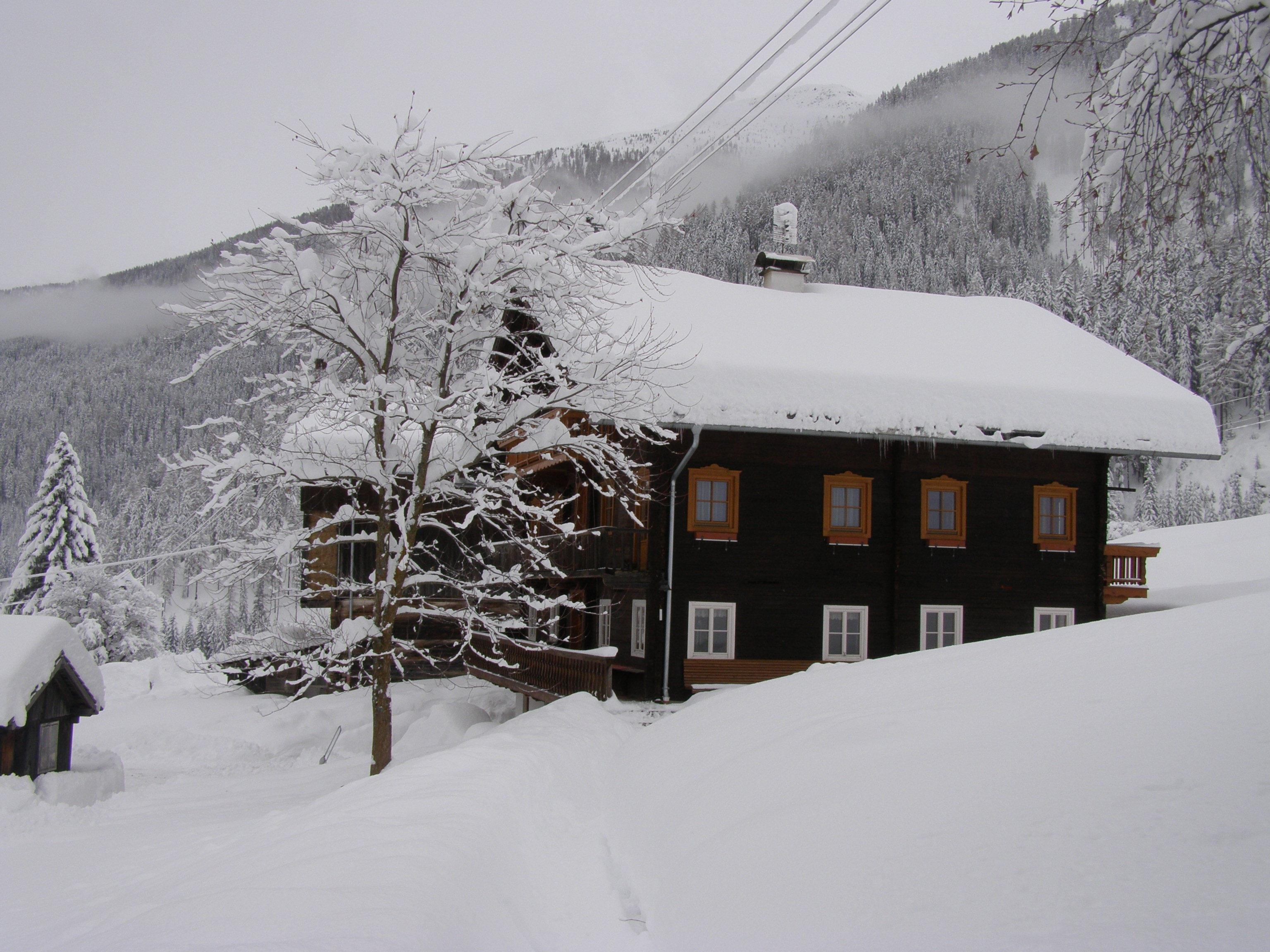 Hausbild-Winter.jpg