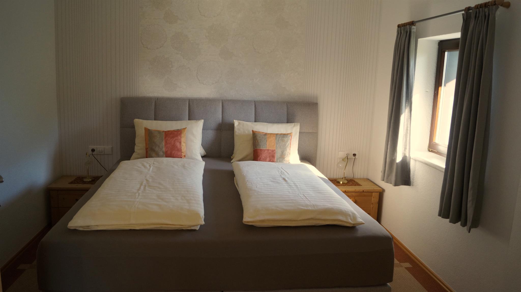 Hochstadelblick-Schlafzimmer.jpg