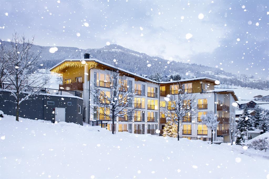 Holunderhof-aussen-1-Schnee-2013.jpg