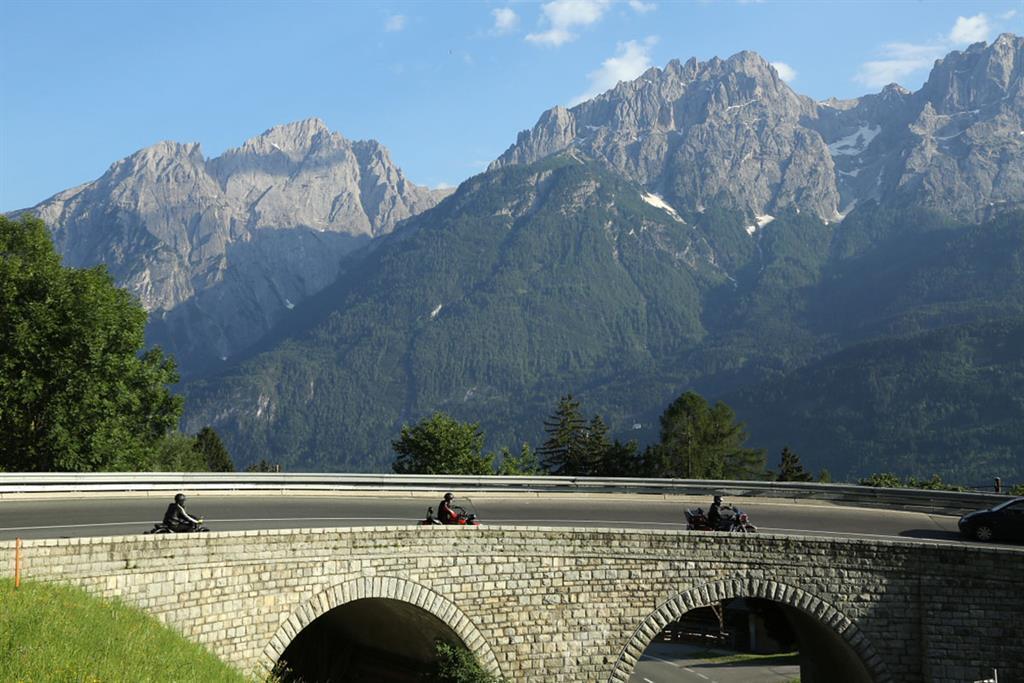 Iselsberg-mit-Blick-auf-die-Dolomiten.jpg