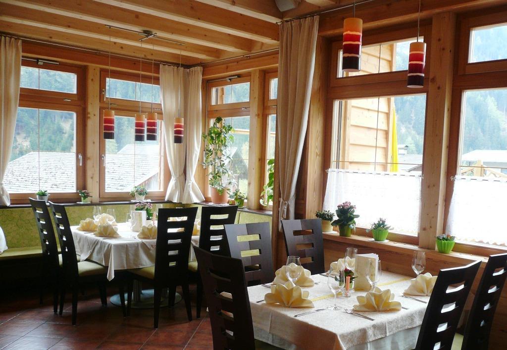 Kaminstube-Geniesser-Restaurant.jpg