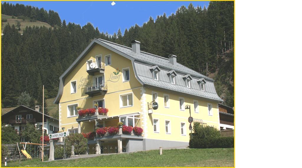 Landgasthof-Lenzer.jpg