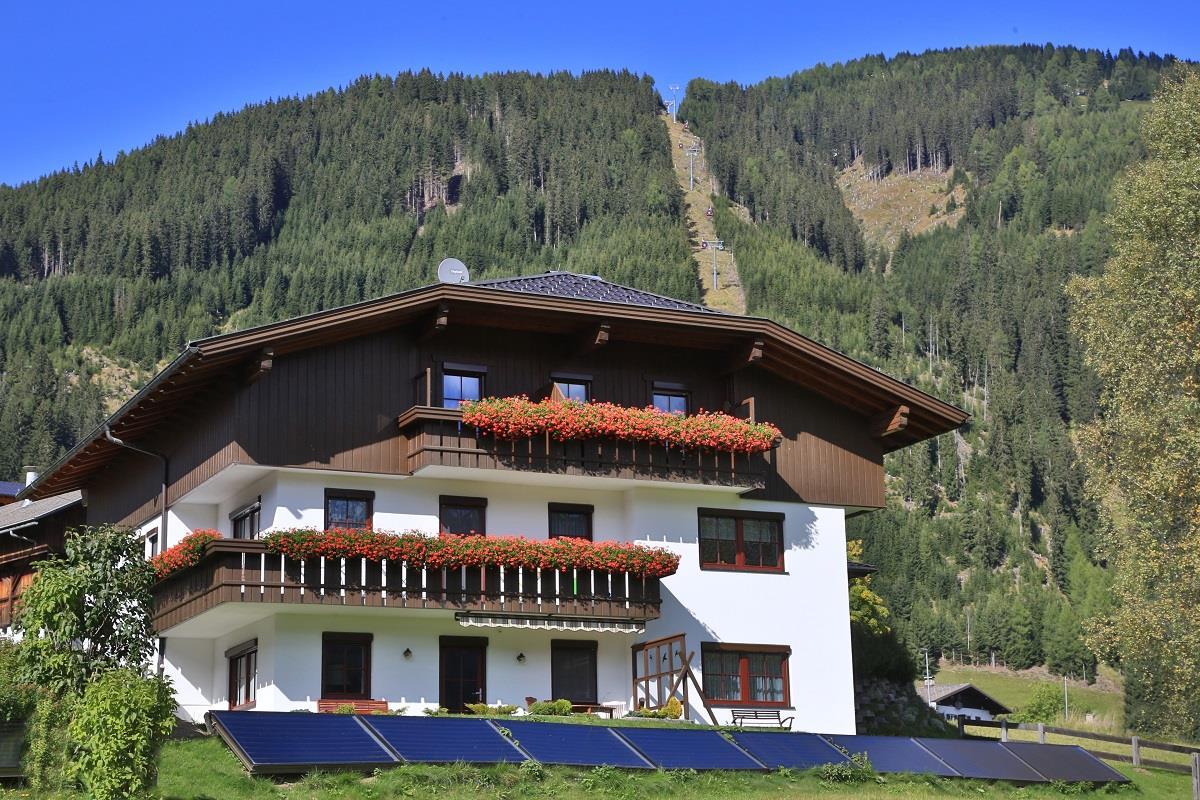 Landhaus-Lugger-Sommer-neu.jpg