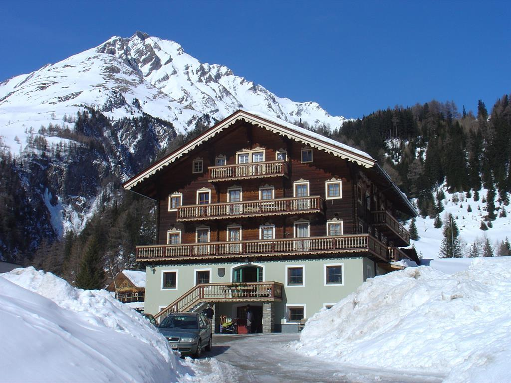 Landhaus-Taurer-Winter.jpg