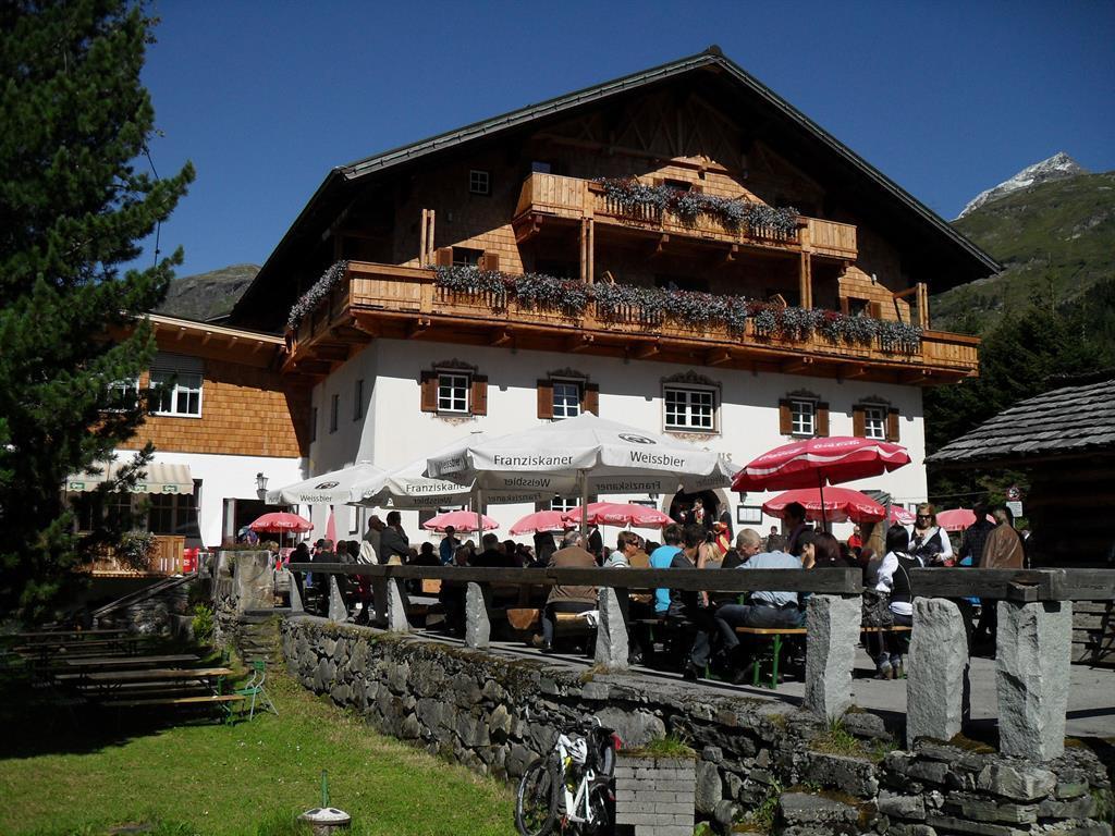 Matreier-Tauernhaus-Sommer.jpg