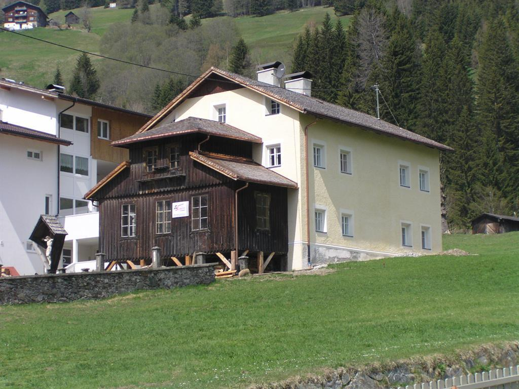 Pfarrhaus.jpg