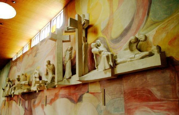 Pfarrkirche-Hl-Familie.jpg