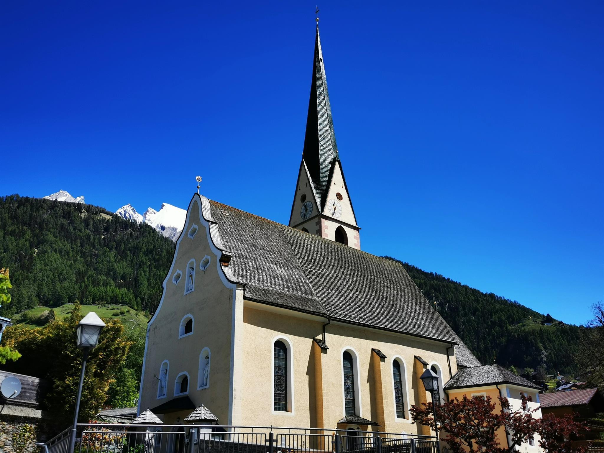 Pfarrkirche-St-Virgil.jpg
