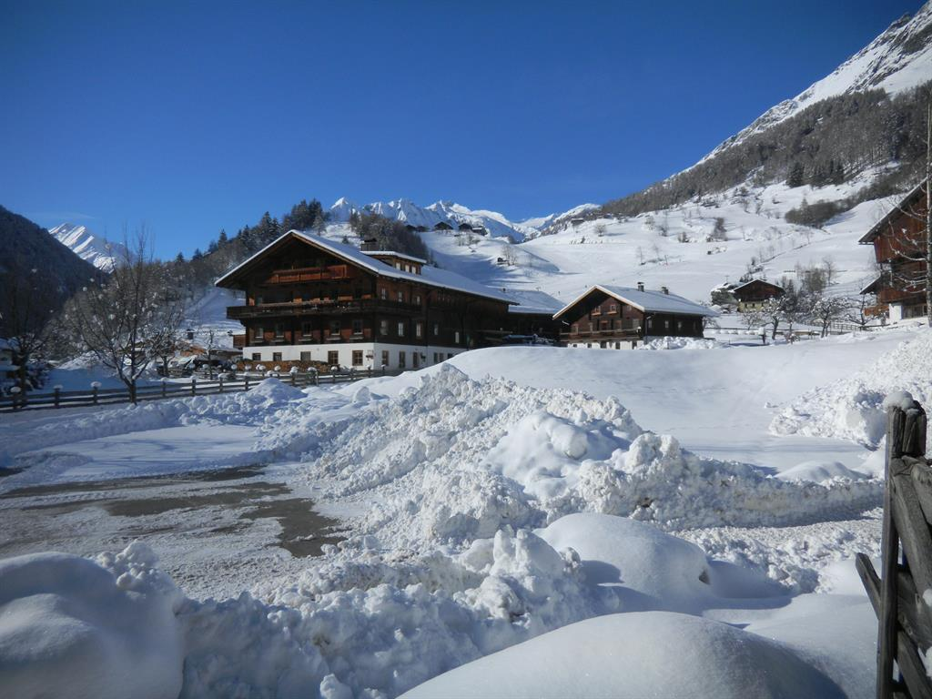 Redlerhof-im-Winter.jpg
