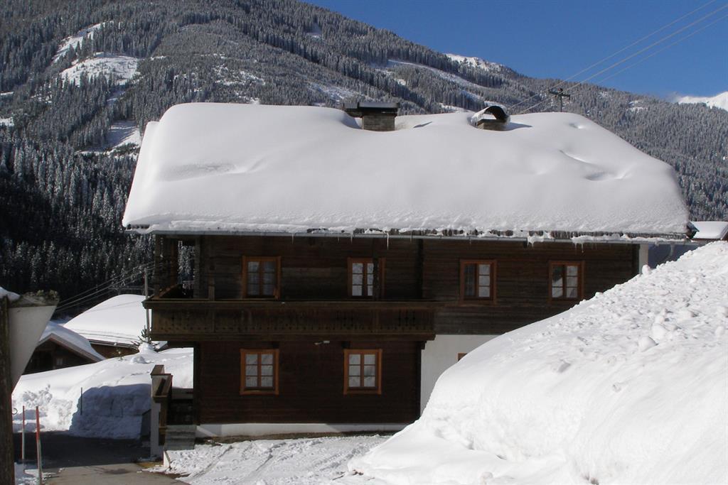 Schmiederhof-Winteransicht.jpg