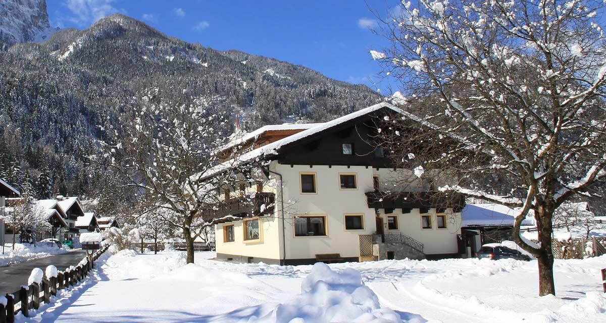 Simiterhof-im-Winter.jpg
