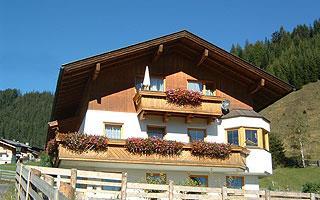 Sommeransicht-Ferienhaus-Peinte.jpg