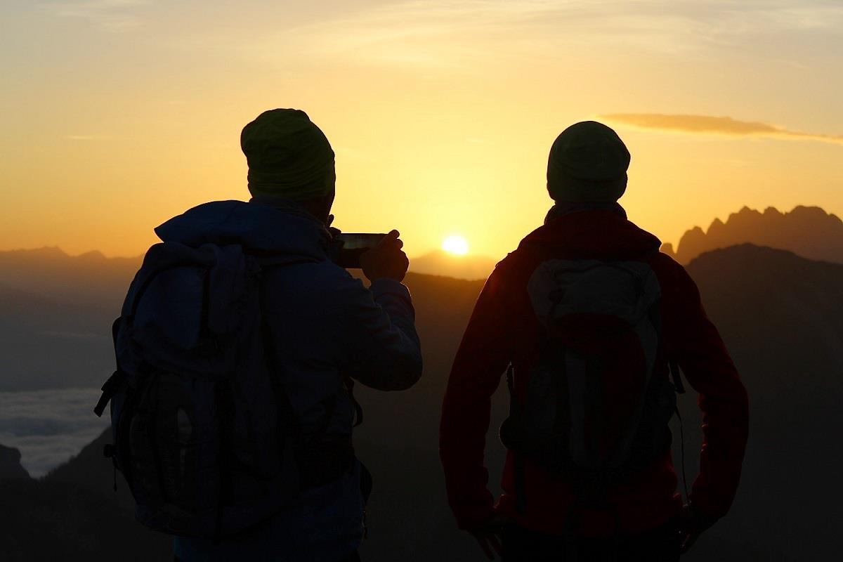 Sonnenaufgang-am-Golzentipp.jpg